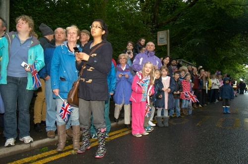 Garry_cook_olympic_torch_blackburn_001